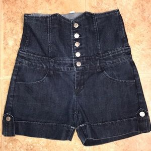 🌸Forever 21, high waist jean shorts, size 28